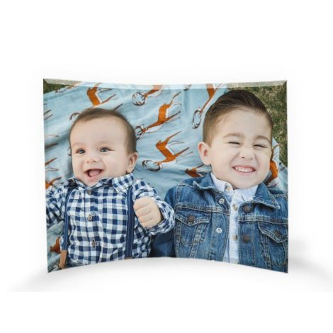 "This 10"" x 7"" free-standing, curved glass print gives your favorite image the dazzling display it deserves!"